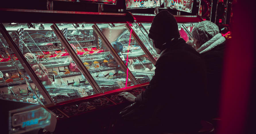 """Online Casino Gambling: """"The Needs To Know"""""""